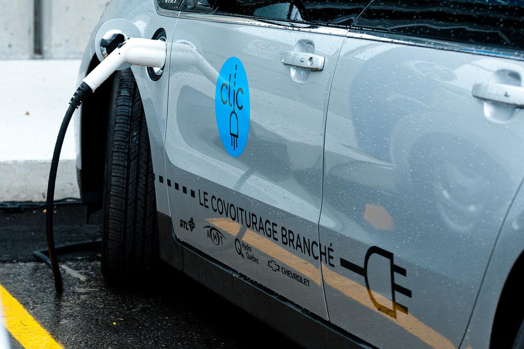 batteries, véhicules électriques, hybrides
