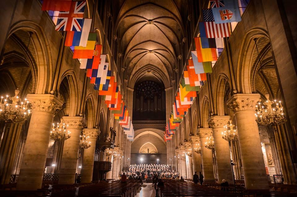 Cathédrale Notre-Dame vue de l'intérieur