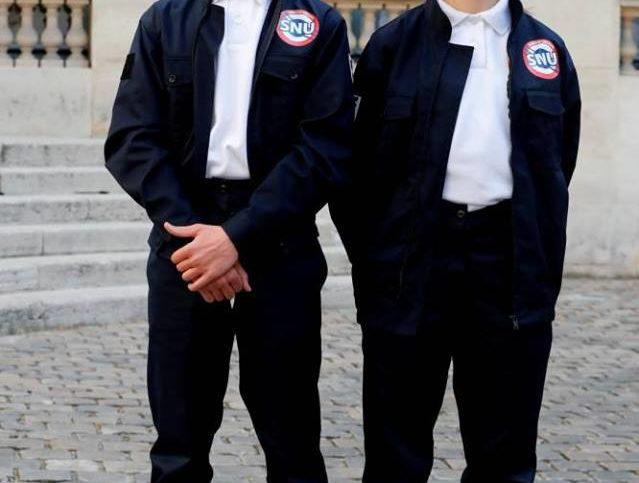 Deux volonatires du Service National Universel