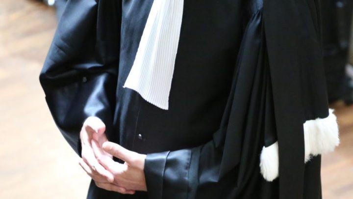 Un avocat dans une cour de justice