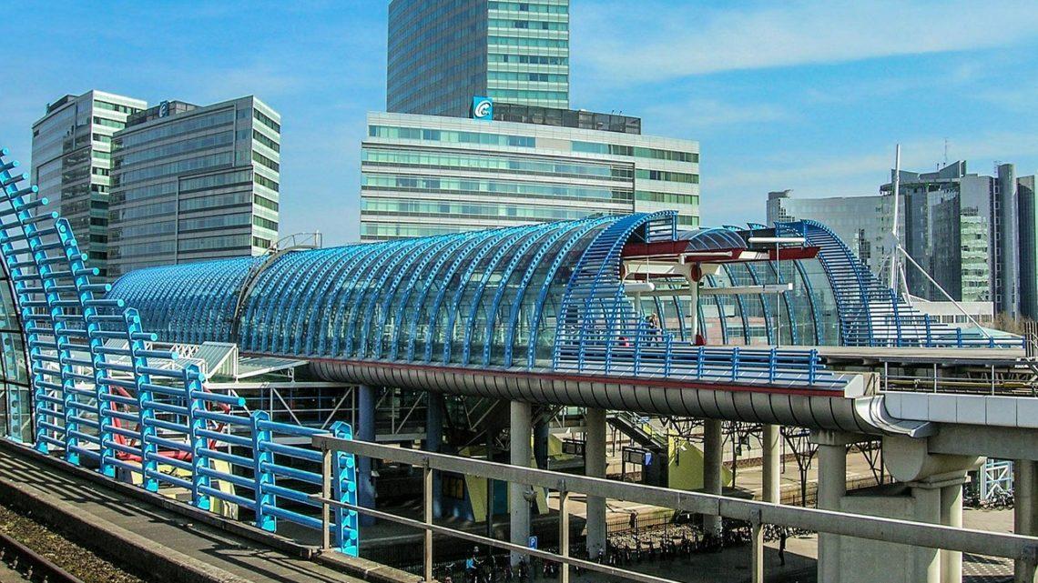Train hyperloop