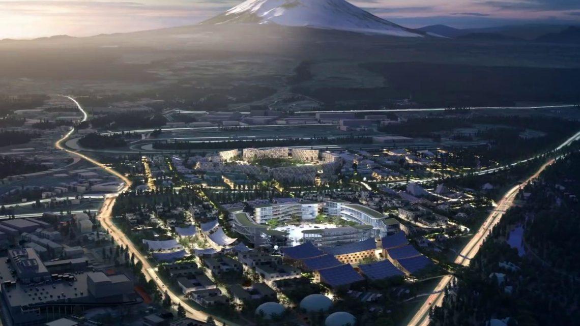 Une capture d'image présentant Woven City , la ville intelligente de Toyota, au pied du mont Fuji.