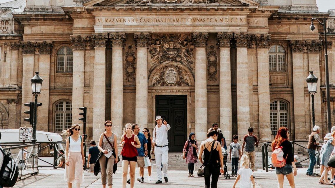 Le directeur général de la Santé, Jérôme Salomon, a indiqué samedi que la France comptait à ce jour 16 morts dus au coronavirus et près de 1000 cas confirmés.