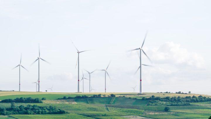 Un parc d'installations éoliennes en Allemagne.