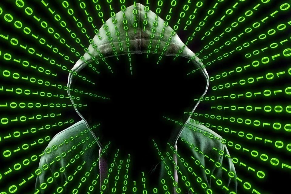 cyberattaques hacker russe linkedin facebook
