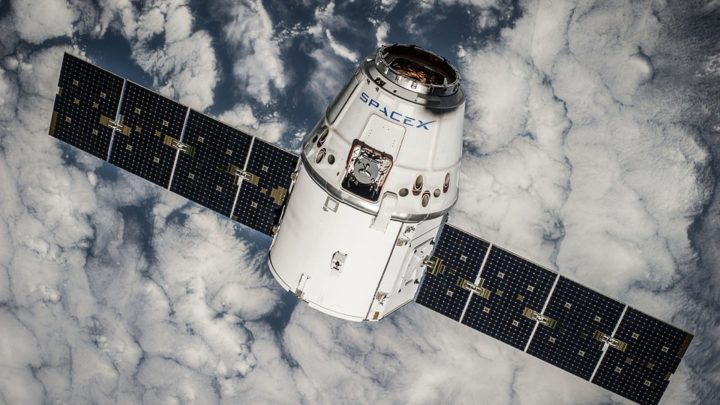 SpaceX satellites reseau internet haut debit