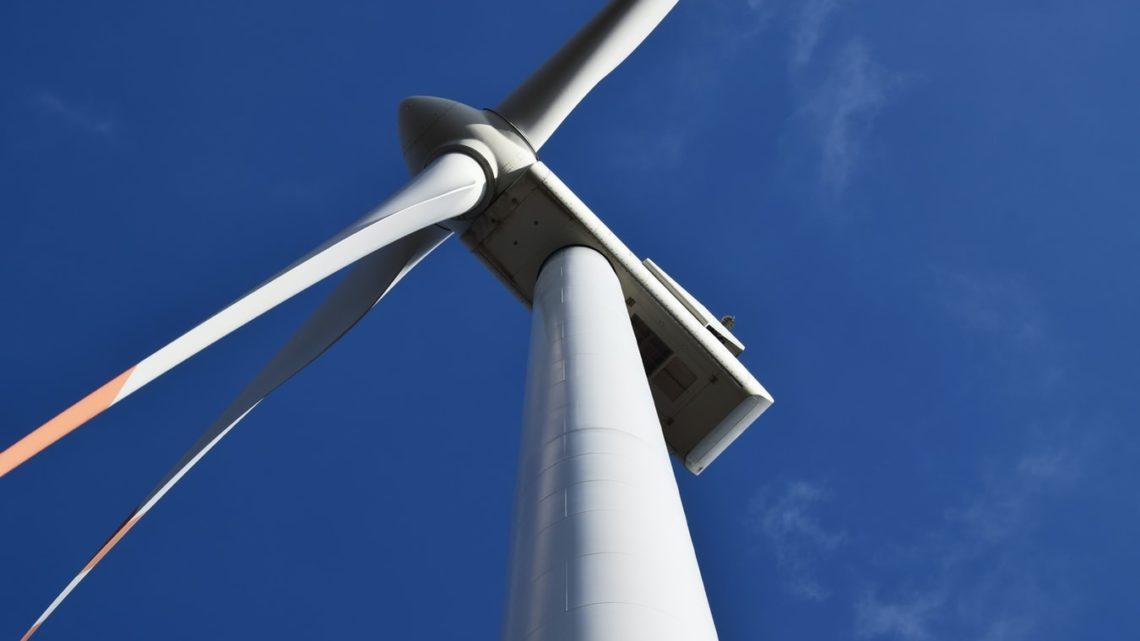 Une éolienne à Riparbella, en Italie.