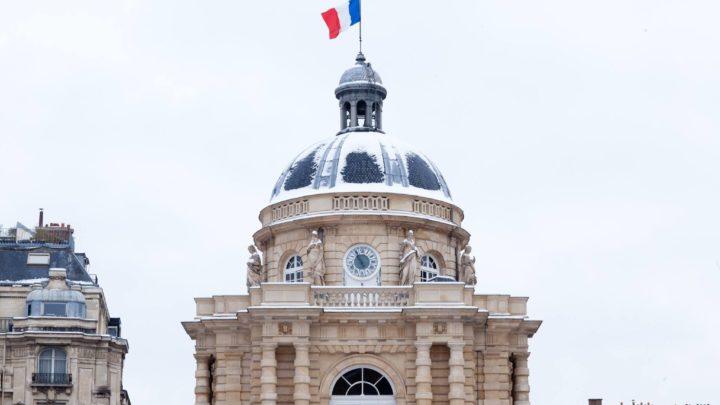 Toit du Palais du Luxembourg, siège du Sénat français.